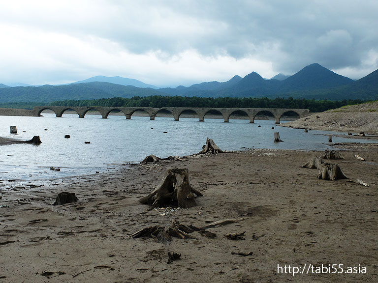 夏のタウシュベツ橋(北海道河東郡上士幌町)