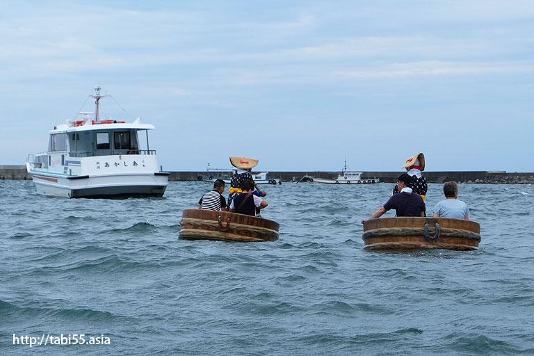 たらい舟(小木港)/ Basin boat (Sado Island, Niigata Prefecture)