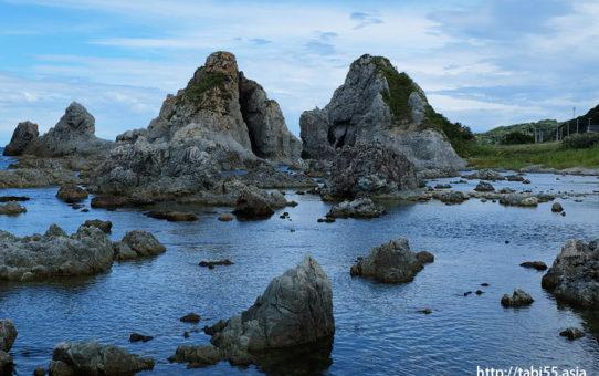 夫婦岩(新潟県佐渡島)
