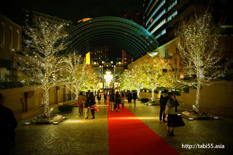恵比寿ガーデンプレイスのライトアップ/Light up the Ebisu Garden Place