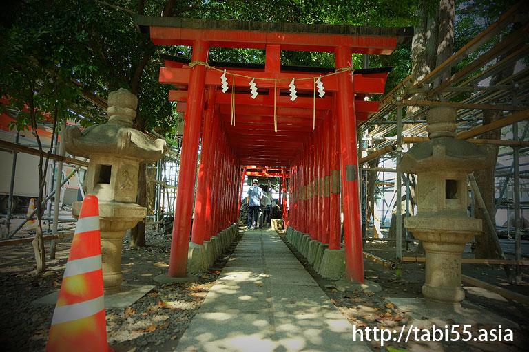 花園神社内 威徳稲荷神社(東京都新宿区)