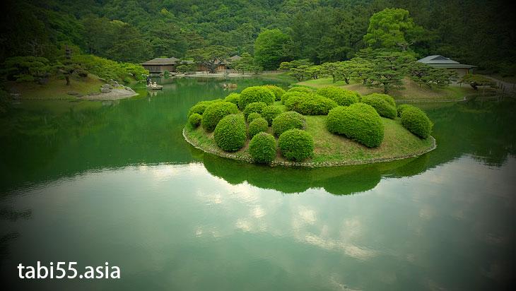 栗林公園で和船に乗ってみた(香川県高松市)