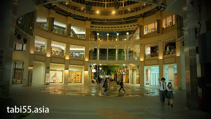 高松丸亀町壱番街前ドーム広場@高松駅周辺の観光なら。うどんも夜も!おすすめ【8選】香川県