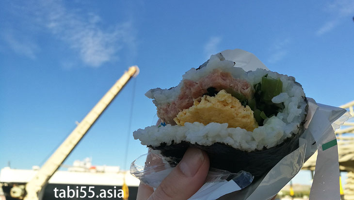 那覇のファミマで「ゆる沖縄縛り」で購入した朝ご飯