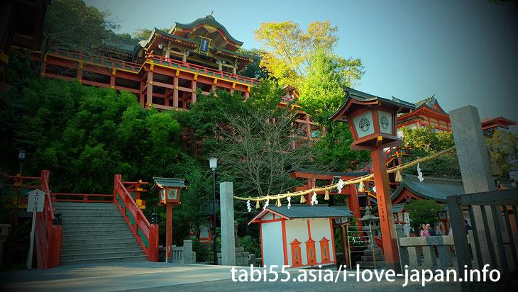 Visit the main shrine of Yutoku Inari-Jinja Shrine