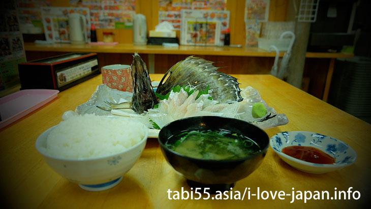 5.小樽駅横!三角市場で朝ご飯♪