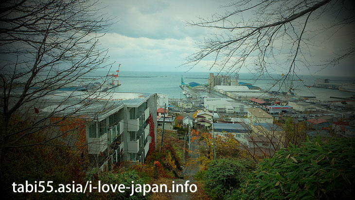8. Otaru view from the hill! Suitengu Shrine